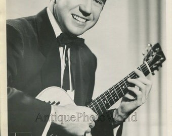 Sonny James country singer guitar player vintage music photo