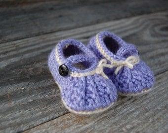 Adorable Crochet Infant Shoes ~ Crochet Mary Janes ~ Crochet Baby Shoes