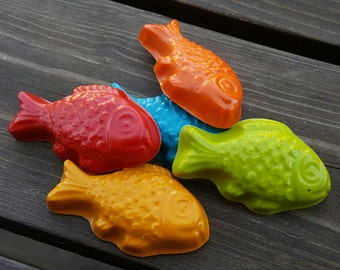 Fish crayons set of 20 - party favors