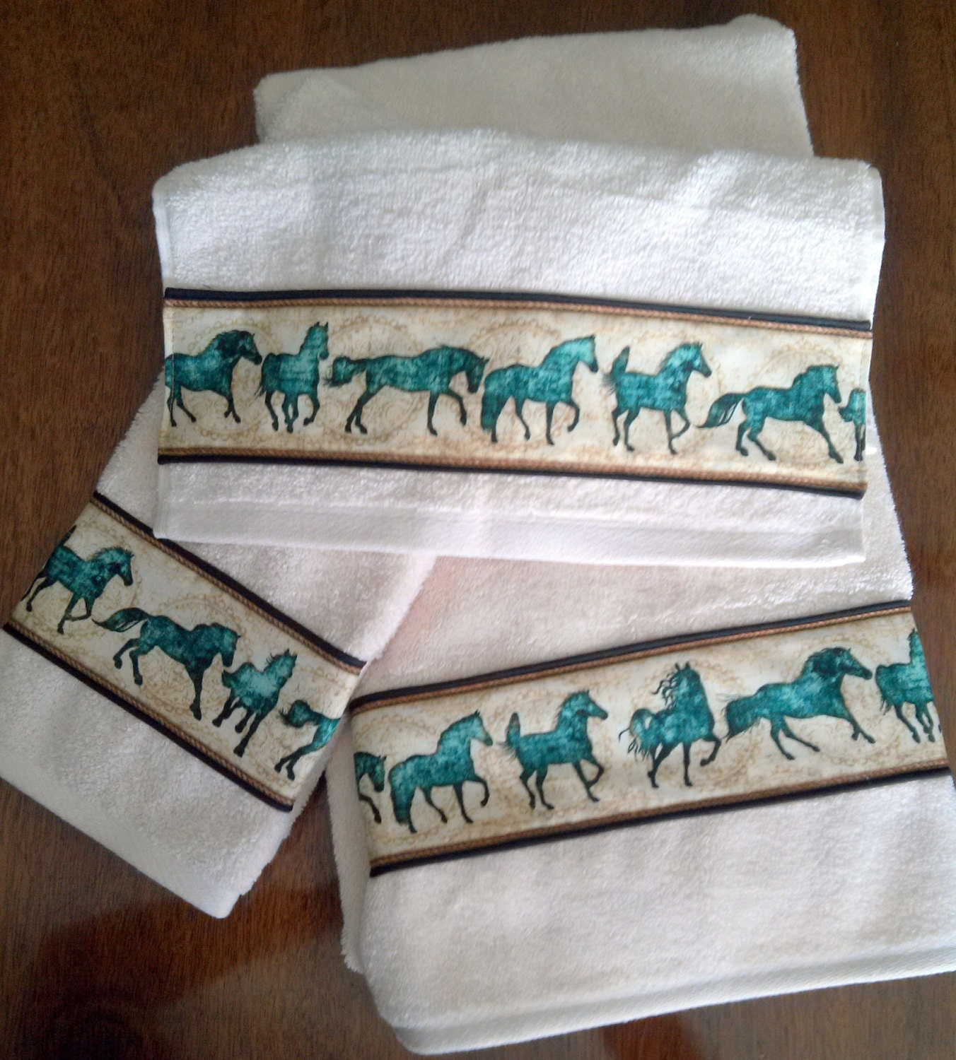 Bath Towel Sets Black And White: Horse Bath Towel Set Off White Towels With Teal Horses