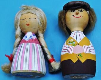 Small HANDMADE handpainted Swedish vintage 1960s souvenier pair wood dolls Per and Kersti from Värnamo in landscape dresses