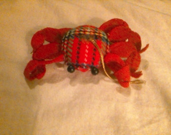 Crab Christmas Ornament. Scotch plaid with felt.