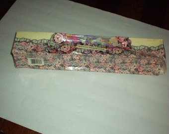 """Vintage 1980-90s KAREN CARSON CREATIONS Drawer Scented Liner in Lovely Floral """"Morning Glory"""" Design Box -Rare, Gorgeous, Discontinued Piece"""