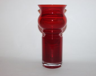 Riihimaki Tamara Aladin ruby red glass vase, Finland design, 1970s retro
