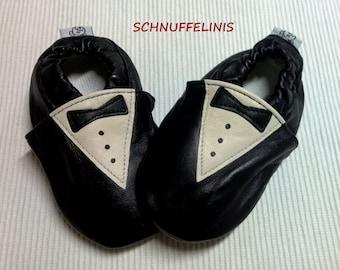 Baby Booties, tuxedo booties - Neugeborenen, Säugling, Baby Hausschuhe, tuxedo baby shoe -  tuxedo onesie - mother day, gift for baby