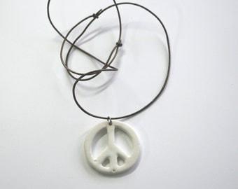 peace and love pendant ceramic (4.5 cm)