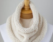 WINTER SALE Cream chunky cowl, Cream or Vanilla knitted cowl, Off White chunky infinity cowl, hand knit neck warmer