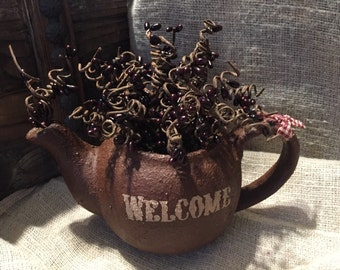 Welcome Pip Berry Teapot