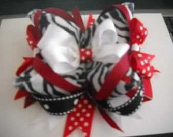 Boutique and Pagent Bows!