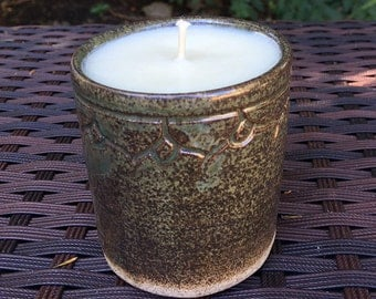 Lemon Poundcake-Scented Soy Wax Candle Hand-poured in PitchPinePottery
