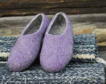 Women slippers- Lilac Grey -Women house shoes- Gift idea-felted slippers