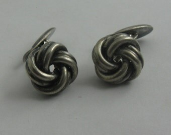 KNOTS: Age old cufflinks in silver Ag 835. VINTAGE