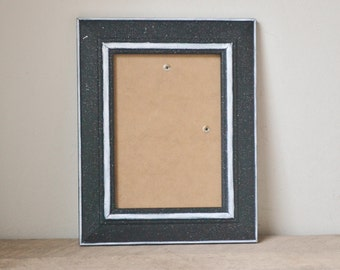 Black Speckled Photo Frame with White Accents 5x7