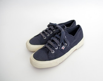 Vintage sneakers // 90's navy blue canvas sneakers / size 38, 7.5