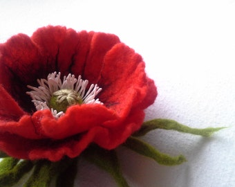 Red Poppy Felt Flower Brooch, Wool Accessories, Handmade Flower, Gift for Her, Hair Accessories