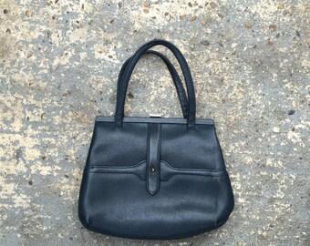 60s mod handbag // navy vintage handheld bag // mod vintage top handle purse // navy blue purse // retro bag