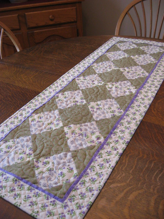 Quilted Table Runner, table runner, quilted spring table runner, spring table runner, spring table linens, spring table linens, table linens