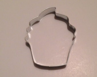 """3 7/8"""" Cupcake Cookie Cutter (Style #2)"""