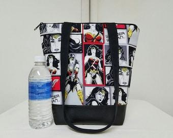 Tote Bag/Purse,Wonder Woman,Vinyl Bottom,Lining with 2 Pocket Sections, Large Wonder Woman Purse,Medium Size Tote Bag, Over Shoulder Straps.