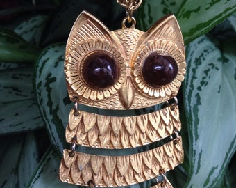 Vintage 1970's owl pendant necklace with brown glass/stone
