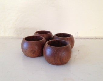 Set of 4 Wood Napkin Rings