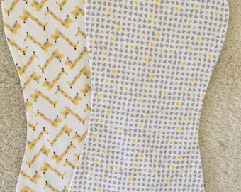 Organic burp cloth set, Gender neutral burp cloth set, Giraffe and hearts burp cloth set