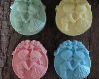 10 Kissing Couple Shea Butter Wedding Favor Soaps 3.4 oz. each