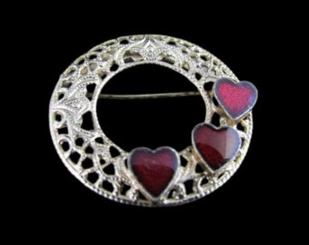 Heart Brooch, Gift for Girlfriend, Red Heart Jewelry, Valentine Gift, Red Heart Brooch, Gift of Love, Gift for Daughter, Free US Shipping