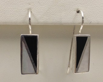 Onyx and Mother of pearl SS earrings