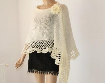 Knit Crochet Shawl / Cream Triangle Shawl