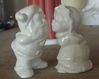 Miniature Santa Mrs. Clause kissing, kissing Santa, Santa decor, mini minis