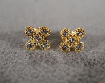 Vintage Jewelry Yellow Gold Tone Fancy Stud Style Pierced Earrings    KW82