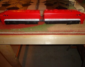 Complete Lionel 027 trainset from the 1960s  ,with diesel loco,transformer ,cars,tracks,Clean and works