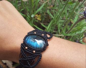 customizable macrame bracelets