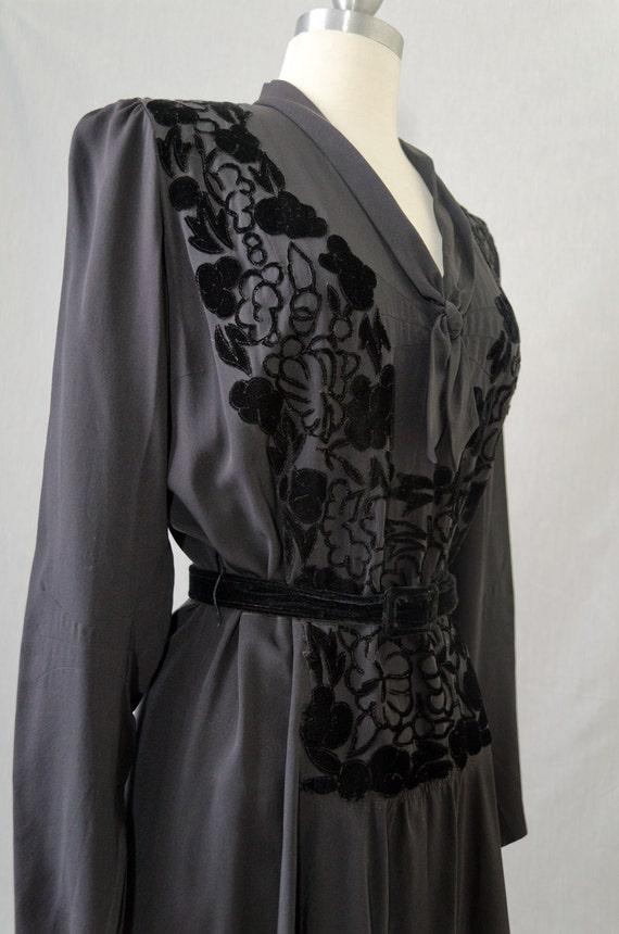 Bergdorf Goodman Vintage Black Silk Dress With Velvet Flowers Appx Size Medium (1940s)