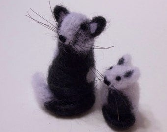 Miniatues This Mother Cat and Kitten Are Needle Felted Soft Sculpture  Miniatures Home Decor