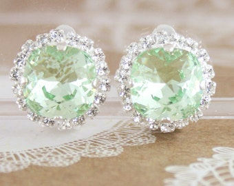 Clipon earrings,clipon bridal earrings,clipon bridesmaid earrings,green wedding jewelry,green earrings,Swarovski,Swarovski chrysolite,square