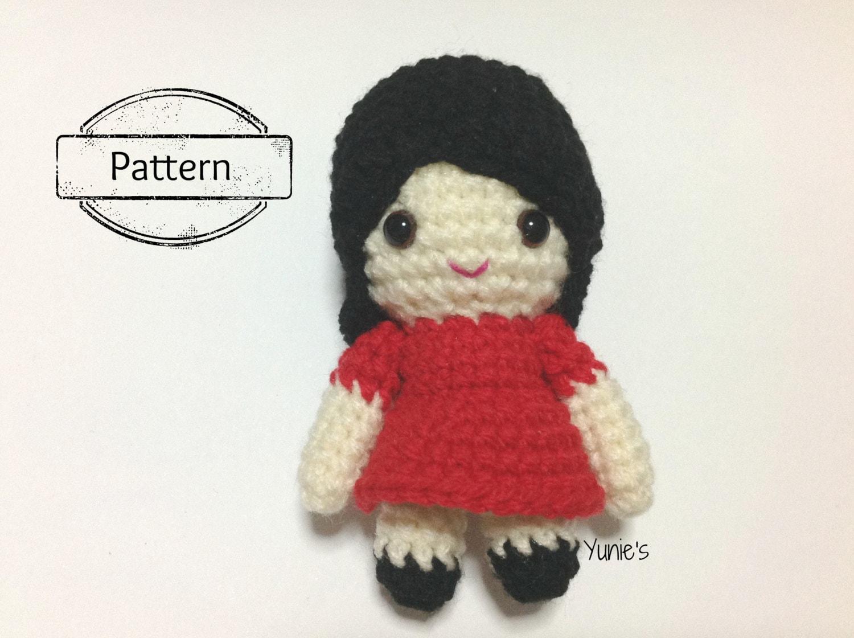 Crochet doll pattern : Bella Girl doll amigurumi Pattern