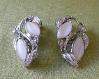 Vintage White Lucite Cream Enamel AB Diamante Clip On Earrings