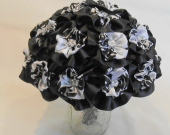 Black and White Wedding Bouquet, Black and White Bridal Bouquet, Black and White Bridesmaid Bouquet, Black and White Bouquet, Black Wedding
