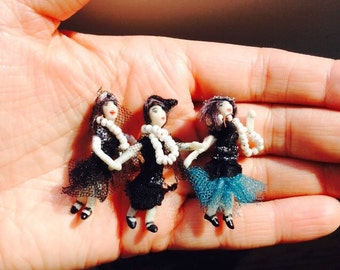 1920s Flapper doll Party in my hand