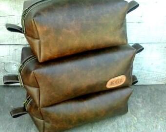 Large Leather Dopp Kit, Men's dopp kit, Groomsmen Dopp Kit, Tobacco color, Personalized, Custom Gift, Mens Travel Bag, Handmade Dopp Kit