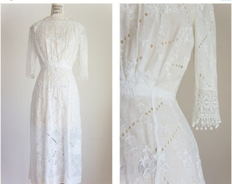 40% OFF SALE 1910s broderie anglaise eyelet lawn dress / antique vintage / size xs / windward eyelet dress