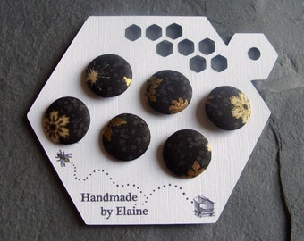 Fabric Covered Buttons - 6 x 19mm Buttons, Handmade Button, Festive Christmas Onyx Black Metallic Gold Bronze Brown Snowflake Buttons, 2441