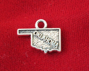 """10pc """"Oklahoma"""" charms in antique silver (BC809)"""