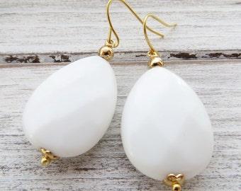 White agate earrings, drop earrings, teardrop earrings, classic earrings, gemstone earrings, dangle earrings, uk jewellery, italian jewelry
