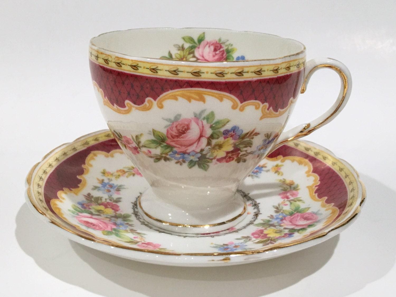 foley tea cup and saucer windsor pattern antique tea cups. Black Bedroom Furniture Sets. Home Design Ideas