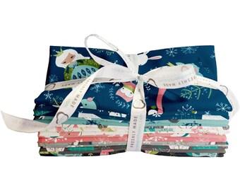 Winter  Queen Fabric 18 Fat Quarter Bundle From Camelot 560