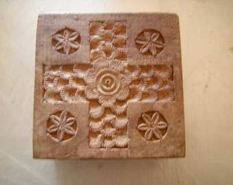 carved wood box-storage-jewelry-trinkets-souvenirs-