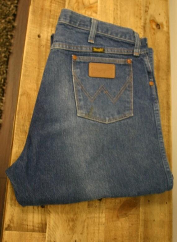 old school wrangler jeans made in usa size 36 34 very slight. Black Bedroom Furniture Sets. Home Design Ideas